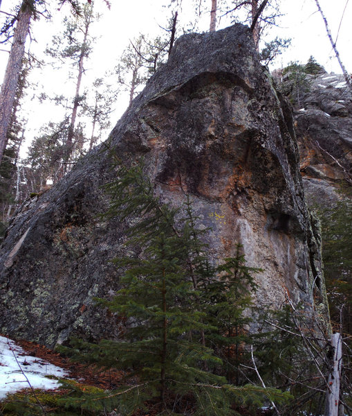 Rock Climbing Photo: StrangleHold cuts up and exits upper right.