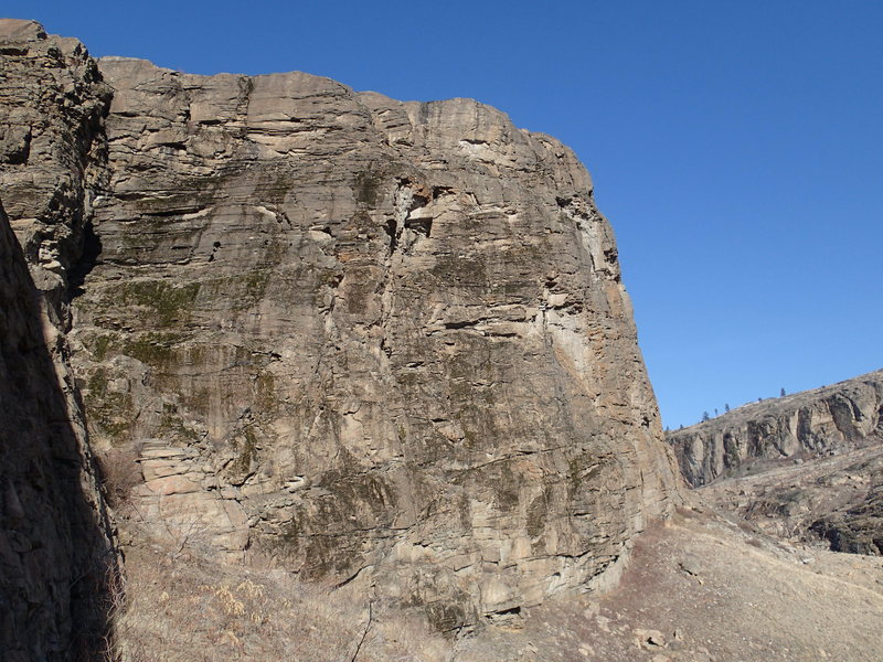 SE Buttress from the base of Upper West Side of the South Canyon.