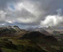 Rock Climbing Photo: Mts Hindsgath and Robinson From Catbells . Feb 15t...