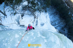 Rock Climbing Photo: Janet enjoying some epic hooks while toping out th...