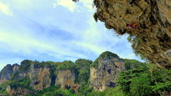 Rock Climbing Photo: This is the route that starts with Tonsai Playboy ...