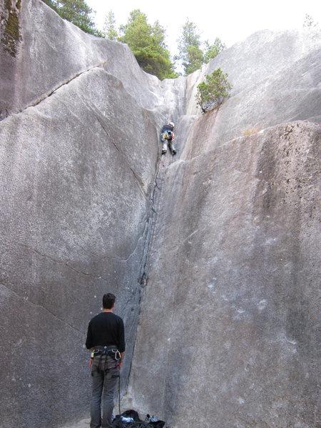 Rock Climbing Photo: Davy Jones' Locker (5.7)