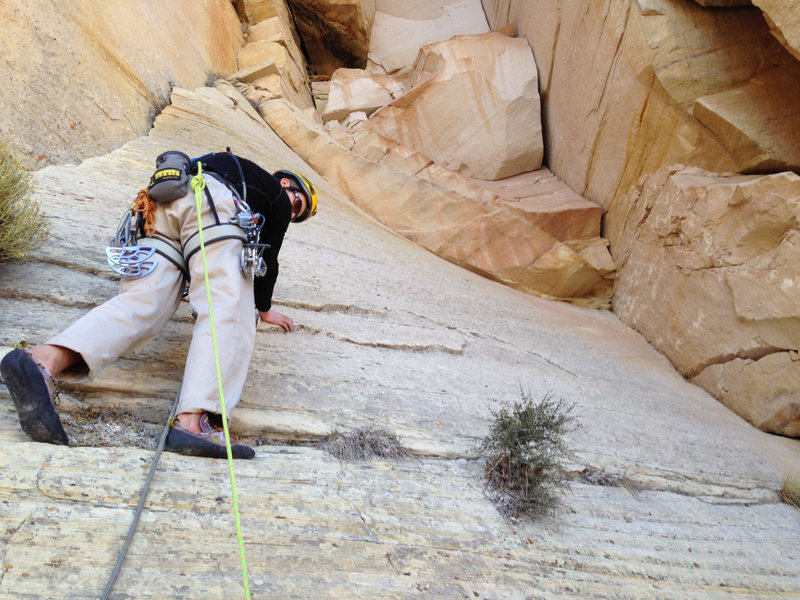 Rock Climbing Photo: Final pitch traverse above anchor. Pitch 18.