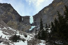 Rock Climbing Photo: Big Drip from the approach. Lower ice section not ...