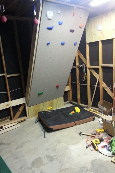 Rock Climbing Photo: System board + other training implements