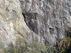 Rock Climbing Photo: Howler Monkey .10d. Wreckage Wall, Auburn Quarry, ...