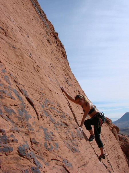Rock Climbing Photo: Mantling up thru the mid-section, feels thin but t...