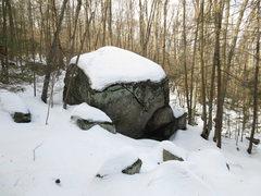 Rock Climbing Photo: Stream Boulder 15'