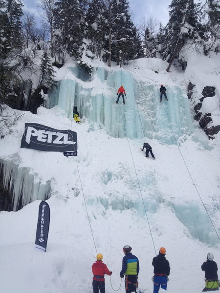 Beginners Clinic on Bullen during the 2014 Rjukan Ice Festival
