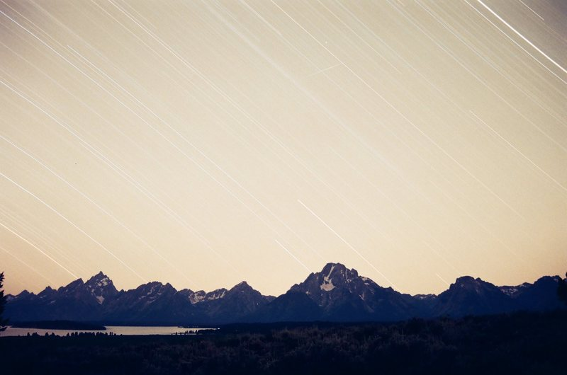 Rock Climbing Photo: Star Trails of the Teton Range taken from Lunch Tr...