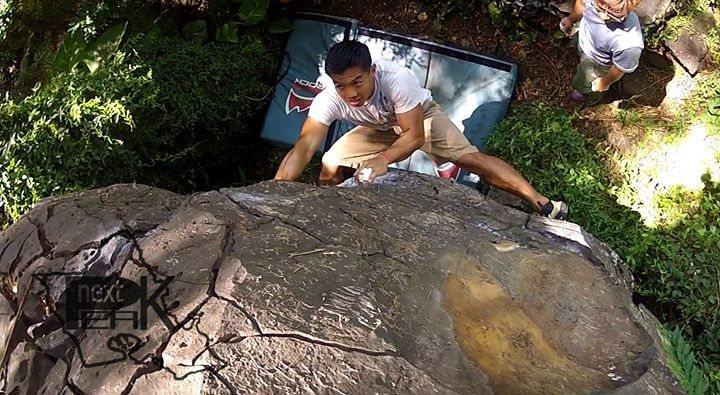Nuuanu warmup boulder, V0