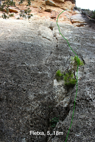 Rock Climbing Photo: Topo showing Fletxa without the direct start.