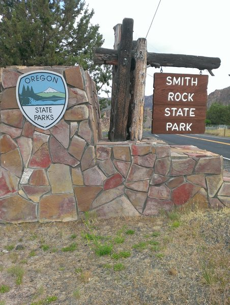 Rock Climbing Photo: State park sign for Smith Rock