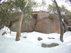 Rock Climbing Photo: The Roof looks climbable. The snow build up at the...