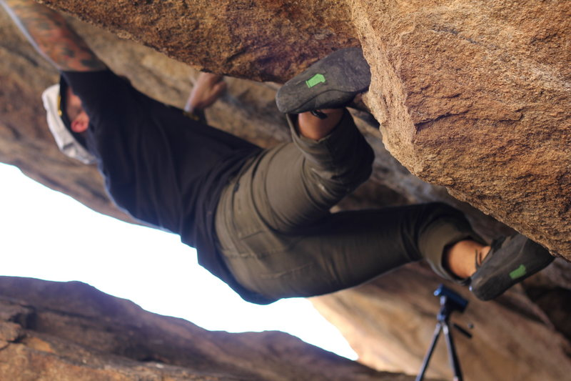 Rock Climbing Photo: Starting the V4 start on clamshell