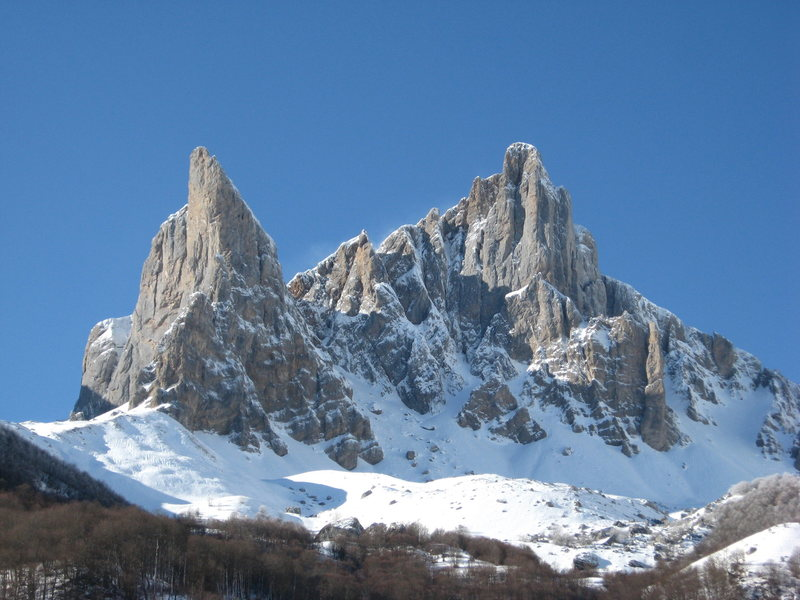 Rock Climbing Photo: Aiguilles D'Ansabere
