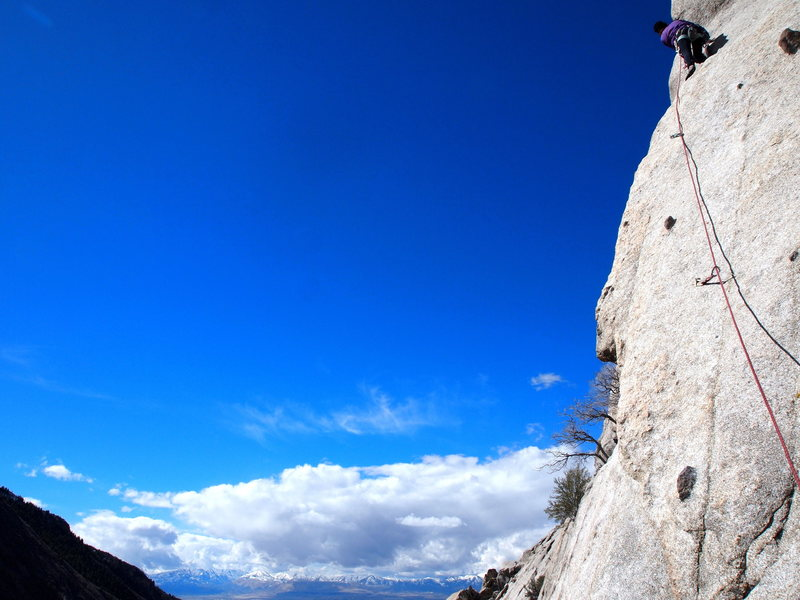 Rock Climbing Photo: The route flips over to the other side of the aret...