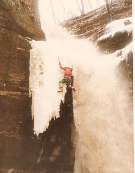 Rock Climbing Photo: through the 'window' and lead out in waterfall to ...