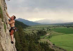 Rock Climbing Photo: Andrew Leider scoping out the chains as a storm ro...