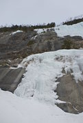Rock Climbing Photo: Left side start looking thin, i think white stripe...