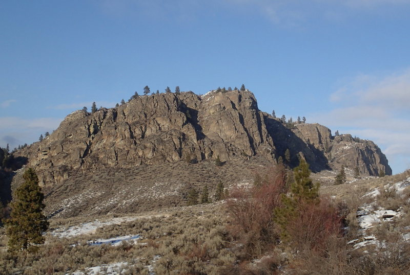 Northern Crag (SW Buttress in the center, SE Face to the right).