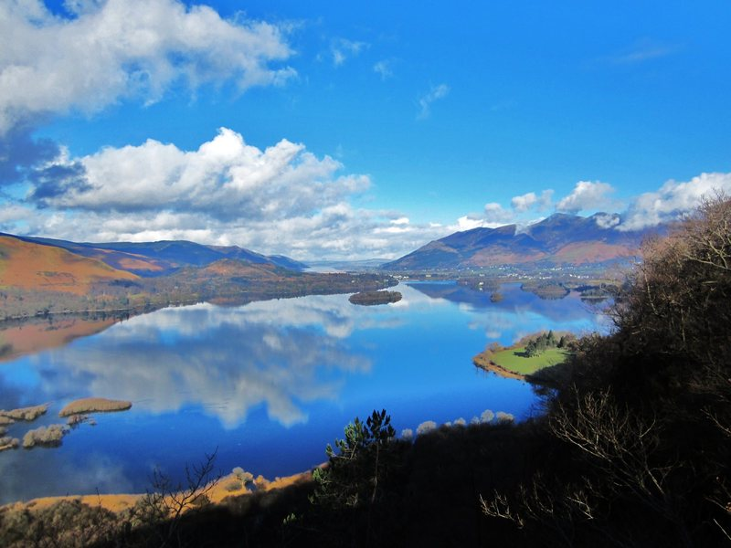 Rock Climbing Photo: Looking down on Derwentwater Lake in The Borrowdal...