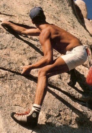 Rock Climbing Photo: 1981 intersection Traverse, Mike Fogarty.