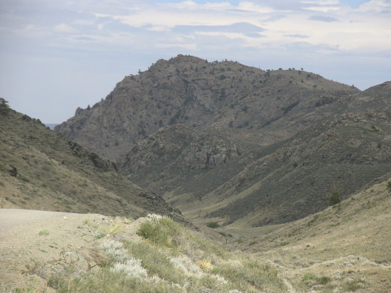 A view of topo point 6524 which is on the south side of Halleck Rd across from Overton Mt.  The climbing rocks are down the road leftward when viewing this photo and are not visible on this photo.