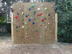8X8, pivoting wall.