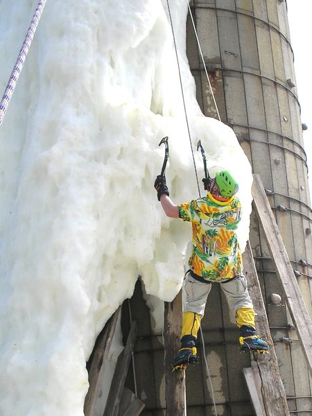 tip toe up onto the hanging junk ice today
