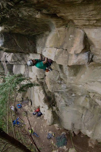 Moving above the anchor of &quot;Clicking Barnacles&quot; and into the crux<br> photo: Andy Walbon