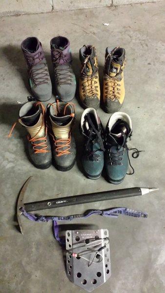 Ice climbing boots