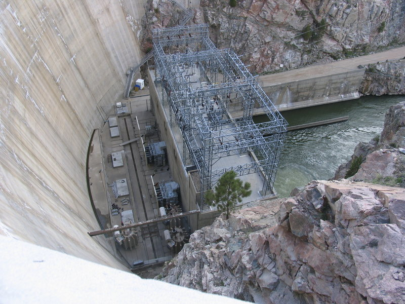 Rock Climbing Photo: Seminoe Dam in Seminoe Canyon is anchored into the...
