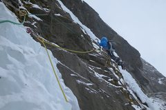 Rock Climbing Photo: The M6 traverse, March 2014.  I clipped the first ...