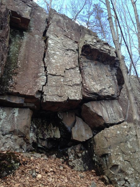 Rock Climbing Photo: Flying Raccoon is the crack on the right (just lef...