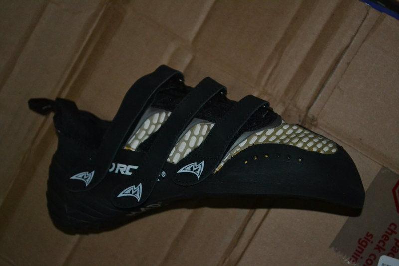3 velcro straps