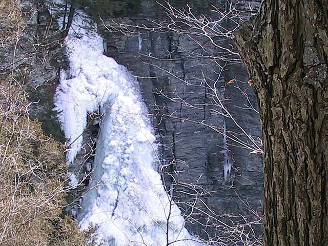 Lick Brook upper falls in 2003. Photo: Copyright © 1998 - 2005, Ruth's Waterfalls of the Finger Lakes, Rochester, and Ithaca, NY