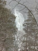 Rock Climbing Photo: View of the upper falls during a snow storm.