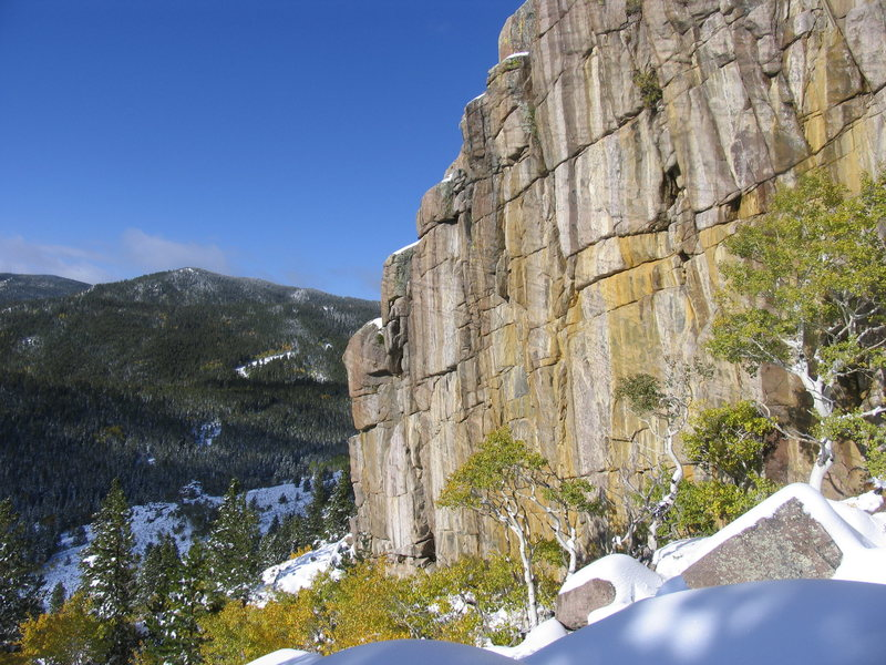 Rock Climbing Photo: The overhanging east face of the Roaring Fork Wall...