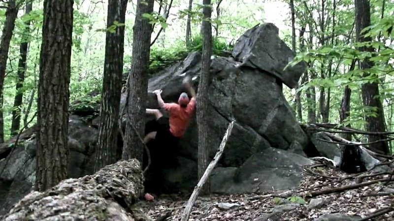 Rock Climbing Photo: Detached boulder