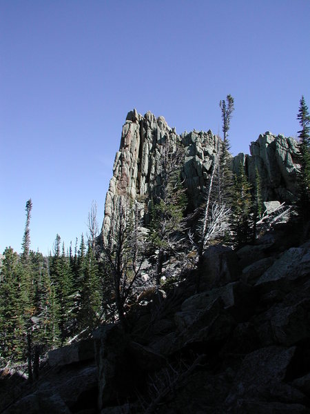 Rock Climbing Photo: Old bedding planes of the granite gneiss that are ...