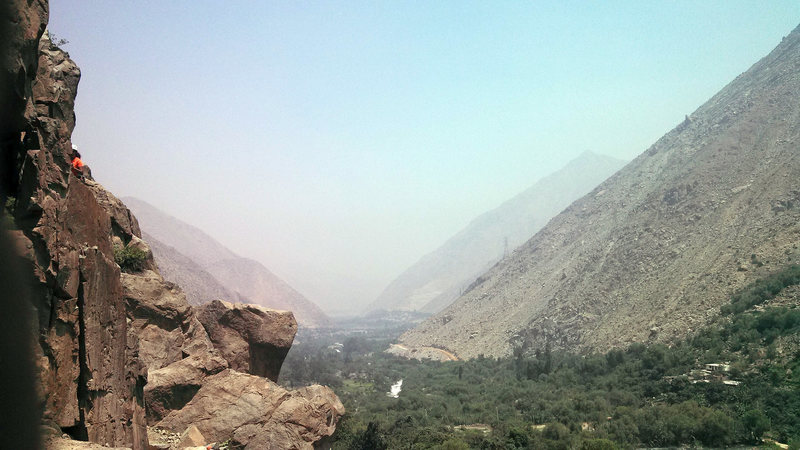 """The Rimac Valley, a typical """"hazy and sunny at the same time"""" kind of day in Lima"""