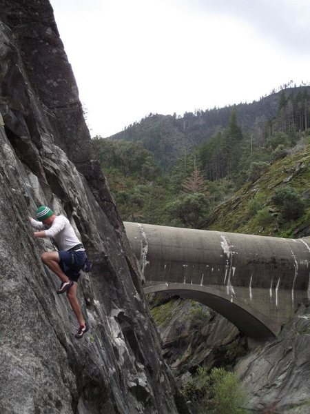 Rock Climbing Photo: DeeDeeLeeVee, 5.8 slab, Grizzly Dome, CA. Easy sla...