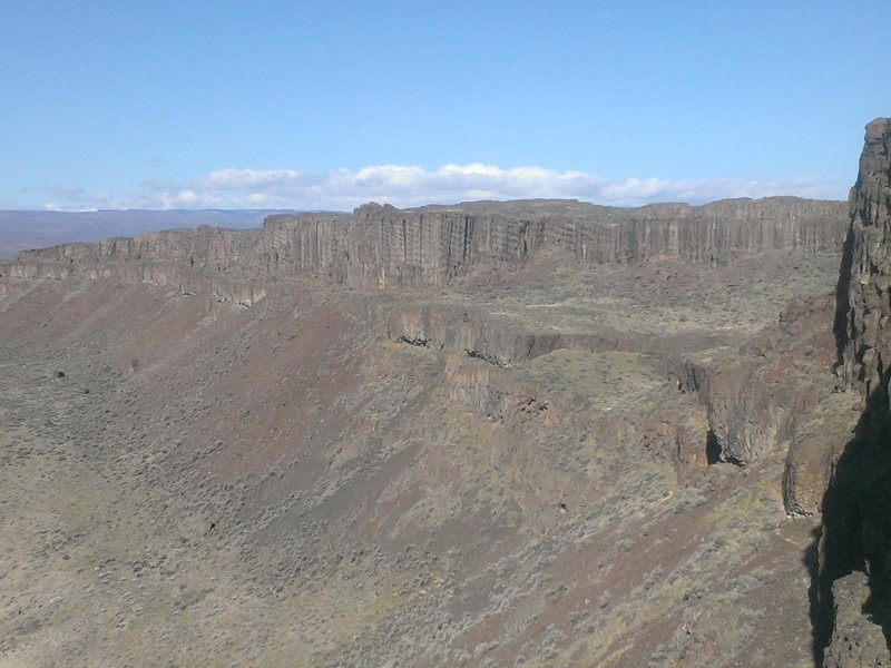 Frenchman Coulee from the head