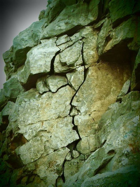 Shattered Dreams, quite a creepy and beautiful line to look at, and fun to climb!