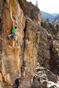 Rock Climbing Photo: Stretching for the 'Bread Loaf', high above Clear ...