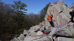 Rock Climbing Photo: Middle of Pulling Downs.