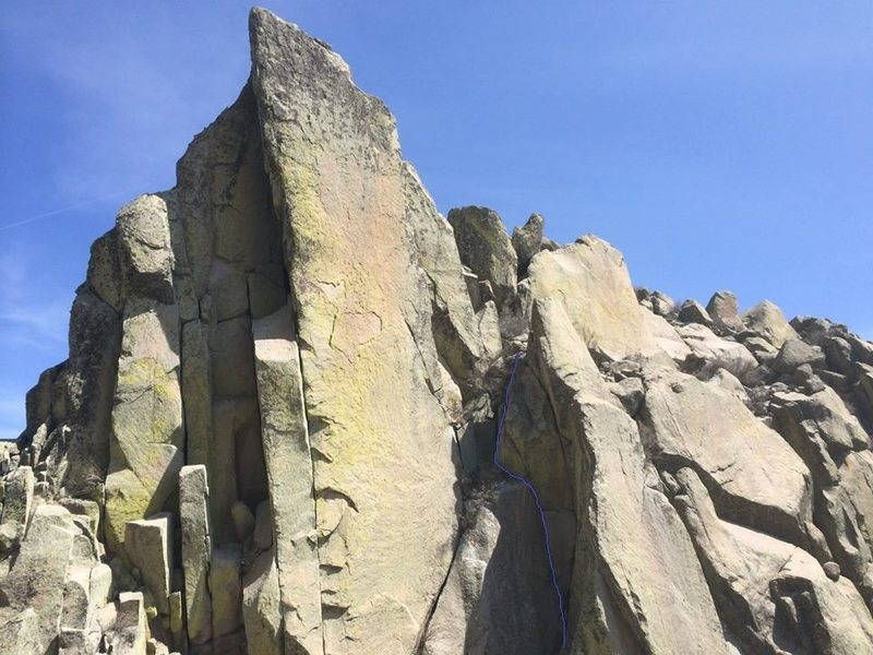 The bottom half of the route follows the left of the two cracks. Photo Ryan Conklin.