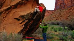 Rock Climbing Photo: The lip encounter of Charlie's Problem. This topou...