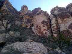 Rock Climbing Photo: Pitch 3 & 4 - scramble / bushwhack up to the corne...